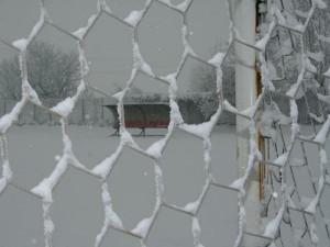 Neve sui campi di calcio sondriesi e campionati sospesi
